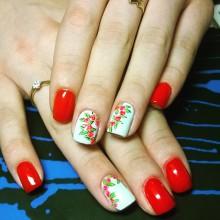 И ещё цветет шиповник!  Невероятно красиво, стильно, долго! Удивительные дизайны от Ксении Степановой, салон beGoody  687-20-55