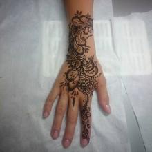 Великолепные татуировки хной, мехенди – теперь и в be_Goody. Работа Ксении Степановой, самого креативного мастера современности!