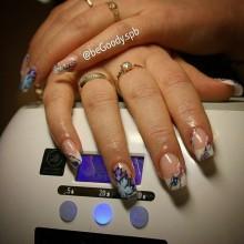 Акриловые ногти – крепкие, надежные, легко снимаются и радуют глаз! Слюденистый дизайн от стилистов be_Goody. Для записи звоните  687-20-55