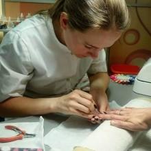 Сегодня вовсю трудится Катерина; Мастер @begoody.spb – маникюр, педикюр, наращивание ногтей и очень красивые дизайны!