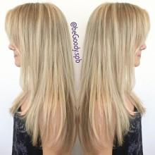 И всё-таки быть блондинкой – актуально в любое время года! Окрашивание и форма от мастера салона @begoody.spb Кристины Ермолаевой. Для записи звоните  687-20-55